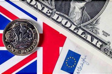 Евро и фунт корректируются с достигнутых максимумов